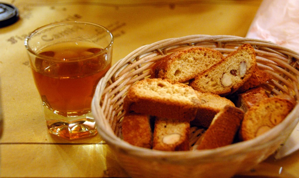 Biscotti_and_Vin_Santo