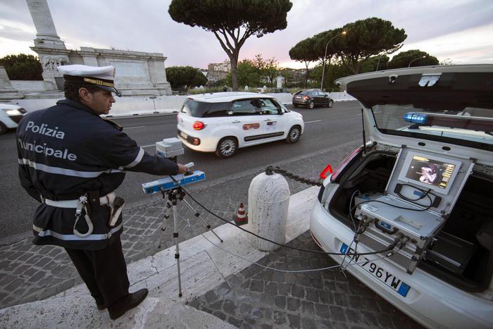 POLIZIA MUNICIPALE: CONTROLLI DELLA VELOCITÀ ECCESSIVA E UFFICIO MOBILE DI PROSSIMITÀ