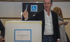 Presidente Regione vota nel seggio di San Vendemmiano (TV) per il referendum sull'autonomia del Veneto