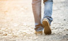 Camminare allunga vita, anche meno di 2 ore a settimana