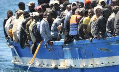 Collisione nave-barca migranti, almeno 8 morti