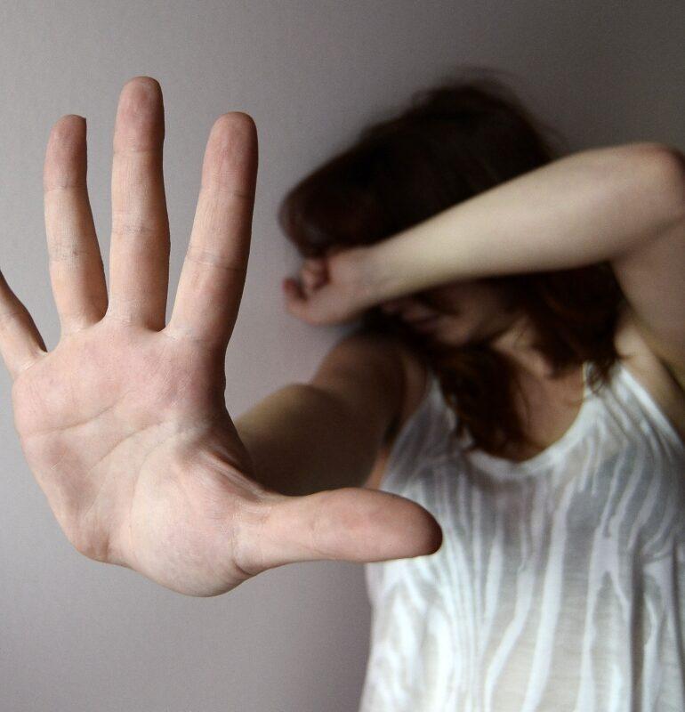 Violenze sessuali e riduzione in schiavitù