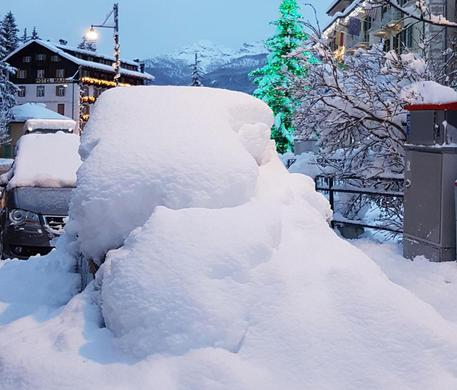 Cortina in tilt per le intense nevicate