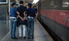 VERONA - 13 stranieri, richiedenti asilo, trovati dalla Polizia a Domegliara: erano  nascosti su un treno merci diretto al Brennero.