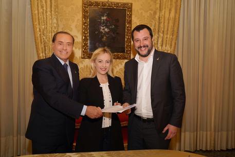 Berlusconi: 'Se arrivasse sentenza Strasburgo andrei a Palazzo Chigi'