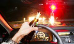 Polizia Municipale: ubriaca e alla guida senza patente esce di strada e danneggia sette auto in sosta
