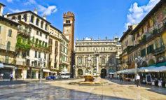 Per tutto luglio mercato di Piazza Erbe aperto il weekend. Aumentano da 106 a 140 i banchi al mercato antiquariato di San Zeno