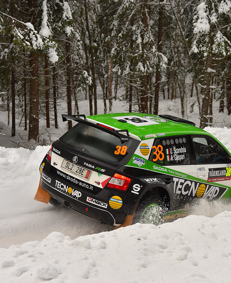 Scandola-Gaspari con la ŠKODA Fabia R5 si devono arrendere solamente alla sfortuna nella seconda tappa del Rally di Svezia