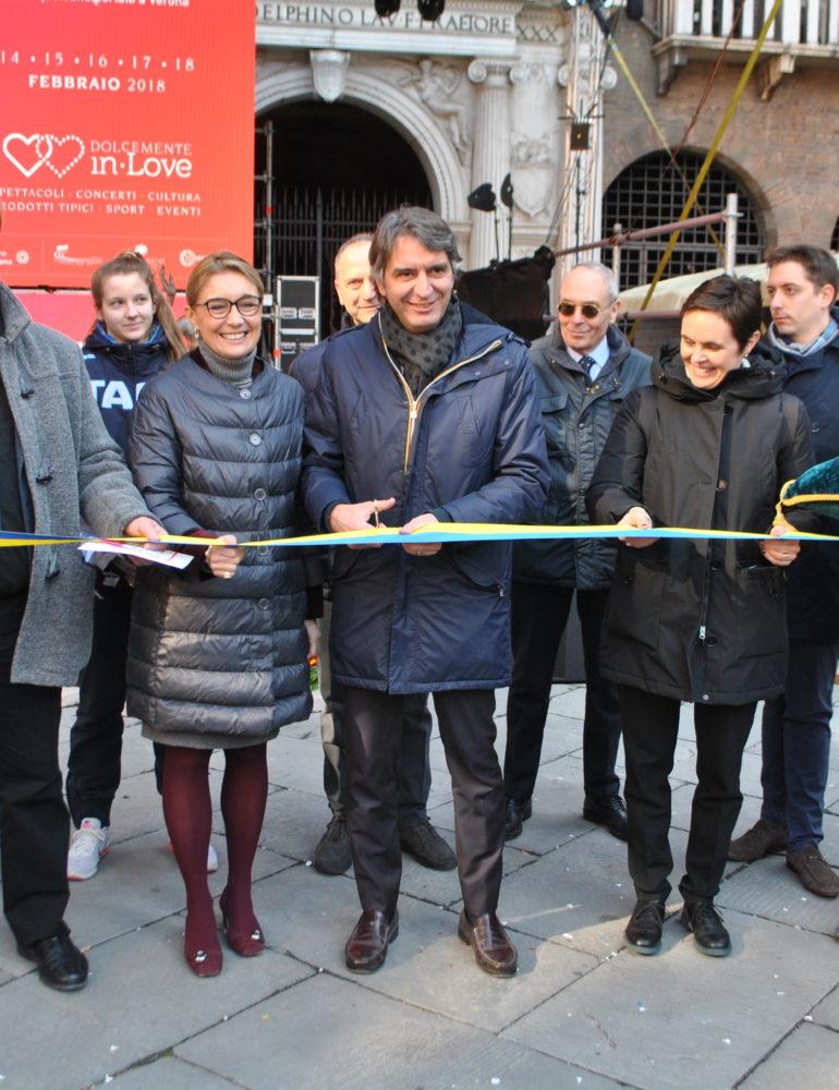 """INAUGURATA VERONA IN LOVE 2018. SINDACO: """"LA STORIA DI ROMEO E GIULIETTA UN BRAND PER LA PROMOZIONE DELLA CITTA'"""""""