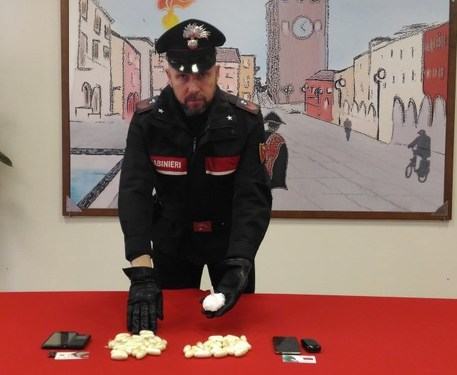 Droga: 3 arresti a Mestre, sequestro cocaina