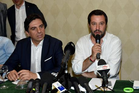 Migranti, Salvini: 'Stop Sicilia campo profughi d'Europa'