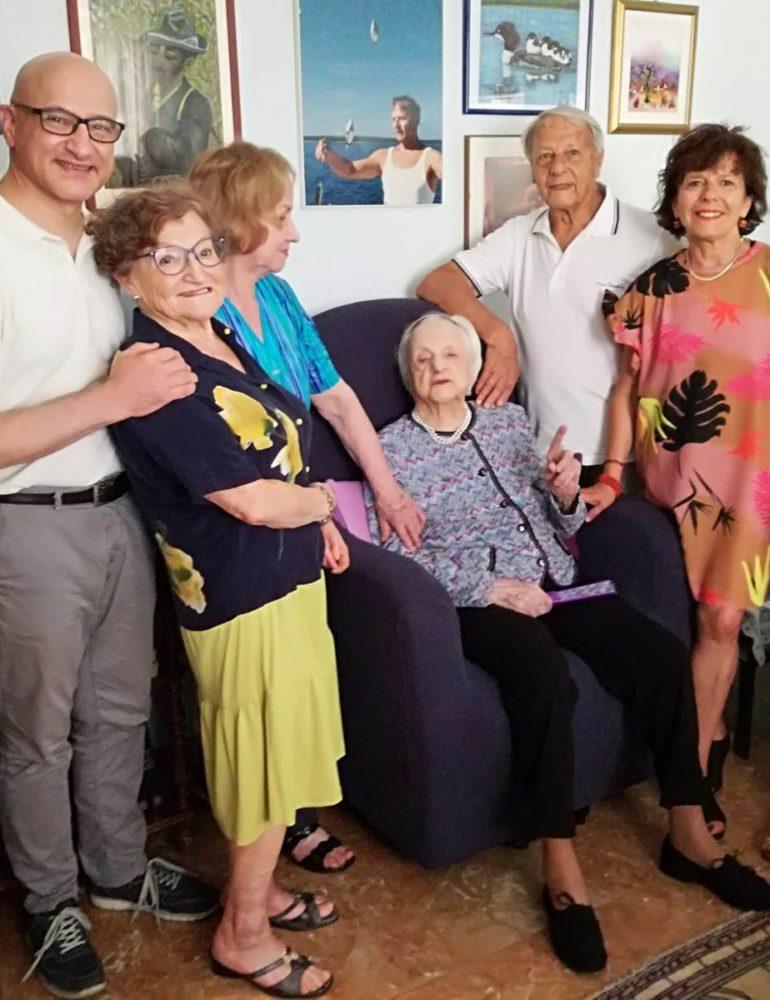 Una targa per i 107 anni di Elisa Cailotto