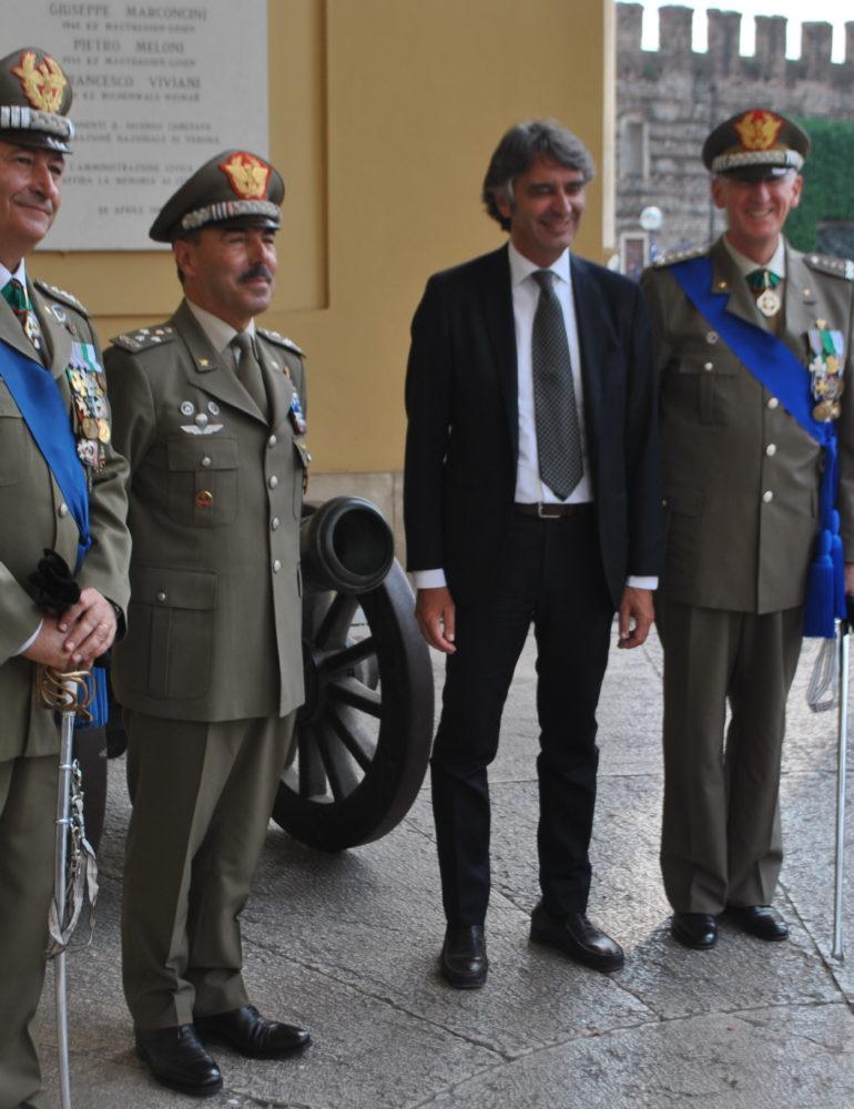 A Palazzo Barbieri il Capo di Stato Maggiore dell'Esercito Farina, accompagnato dai Generali Sperotto eTota