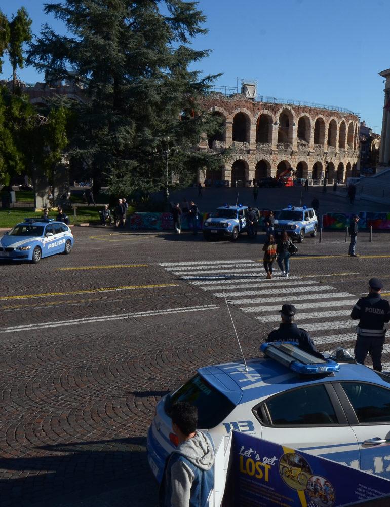 Verona: la Polizia di Stato impegnata nell'attività di lotta alla contraffazione e all'abusivismo commerciale in città e presso le stazioni ferroviarie di Porta Nuova e Legnago.