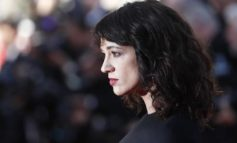 "Asia Argento, accuse da attore inglese: ""Mi mandò video di lei in topless"""