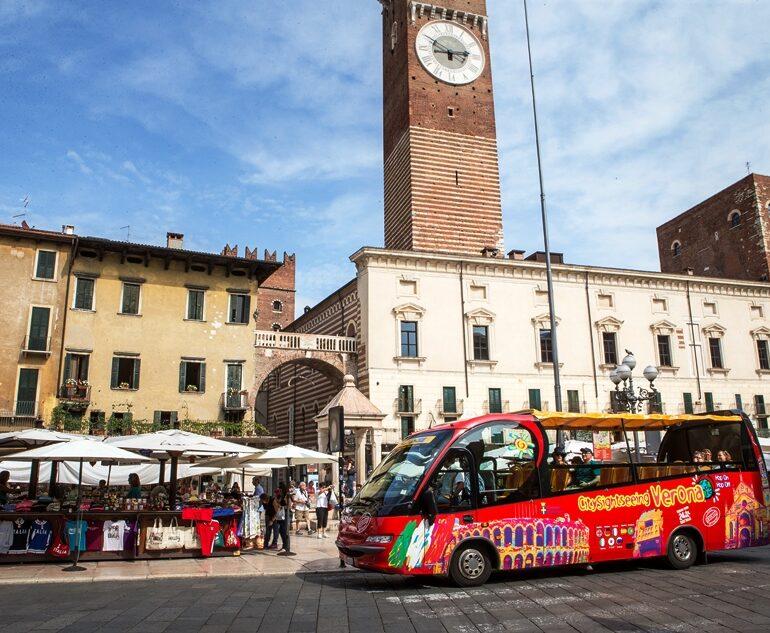 Pass bus turistici: sconti a chi utilizza guide autorizzate veronesi