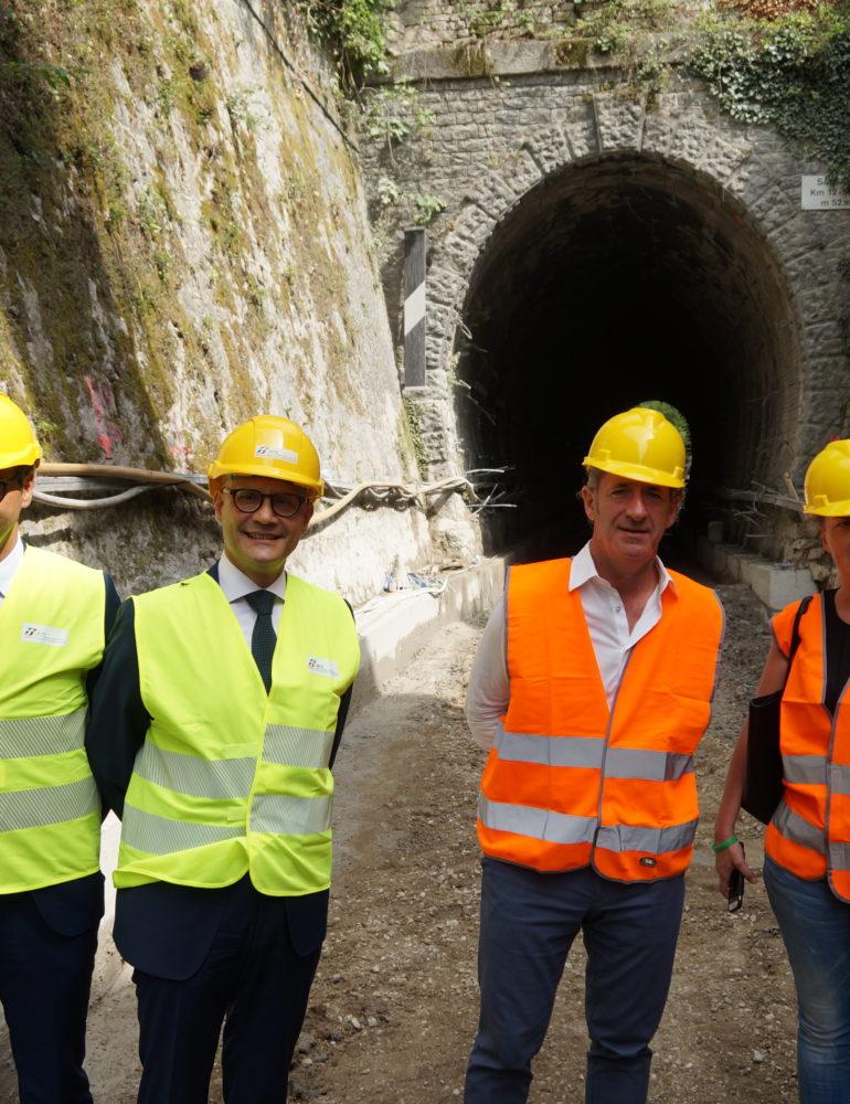 """Sopralluogo ai cantieri per l'elettrificazione della linea ferroviaria Conegliano – Vittorio Veneto. Zaia: """"Altri chiacchierano, noi facciamo"""""""