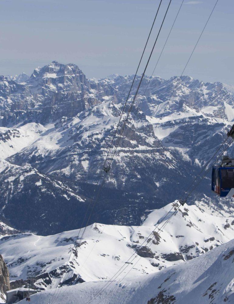 Apre la stagione sciistica invernale nel Veneto: Dolomiti pronte al cancelletto di partenza
