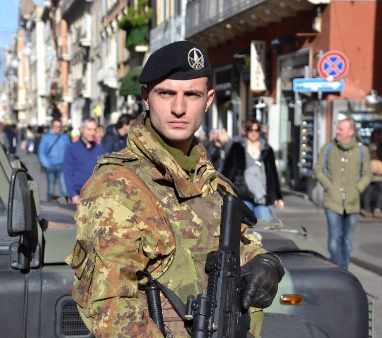 """Campidoglio, militari esercito operazione """"Strade sicure"""" in visita ai Musei Capitolini"""