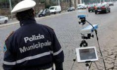 Controlli della velocità e postazioni ufficio mobile di prossimità