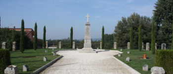 Gli studenti dell'Accademia di Belle Arti restaurano il monumento dei caduti di Quinzano