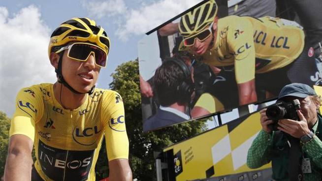 """Tour 2019: Bernal risolve il """"giallo della maglia gialla"""""""
