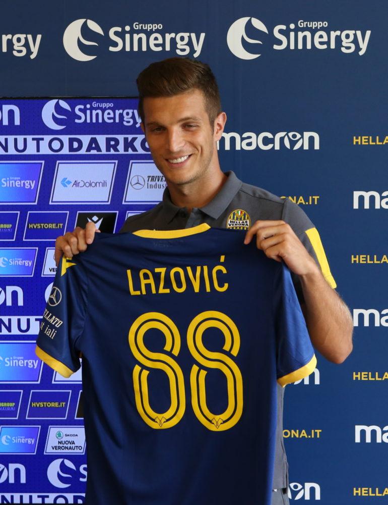 Lazovic: «Verona? Gruppo forte e di qualità, tanta voglia di far bene con questi colori»