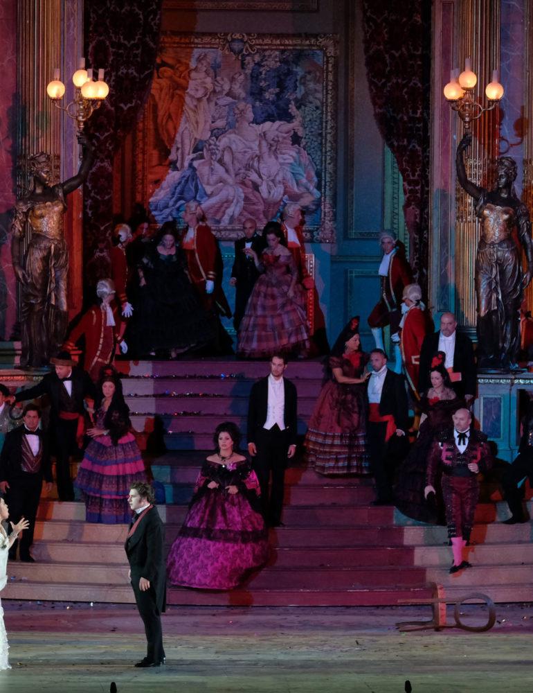 Nuove stelle per la Traviata