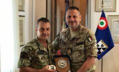 """Il Comandante del 4° Reggimento Alpini Paracadutisti """"Ranger"""" in visita al 3° Stormo"""