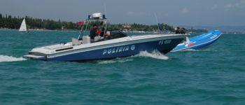 Verona: intensificati i controlli della Polizia di Stato per ferragosto. Ubriaco alla guida di uno yacht, ma la squadra nautica della Polizia di Stato lo ferma.