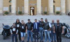 In sella ad una Harley Davidson  a favore della disabilità