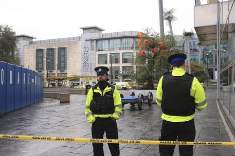 Manchester, accoltellamento in strada: cinque feriti. Indaga l'antiterrorismo