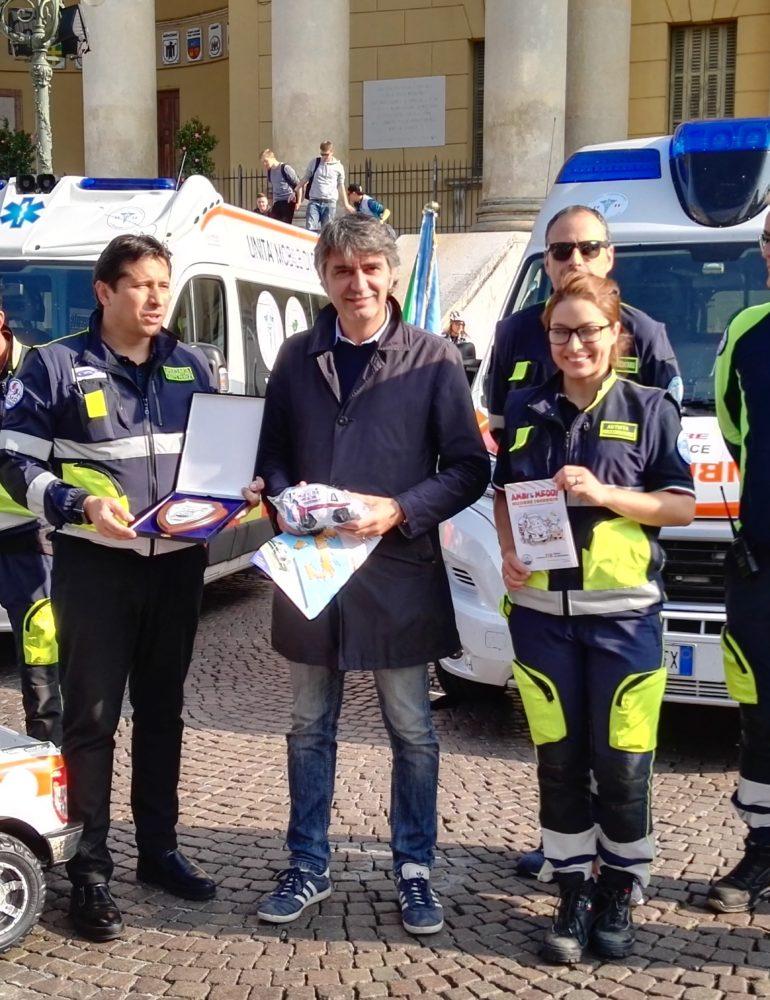 """Cultura del primo intervento. In Piazza Bra fa tappa """"La mille e 118 miglia del soccorso"""""""