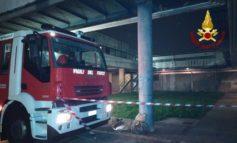 Incendio e scoppio in magazzino scuola