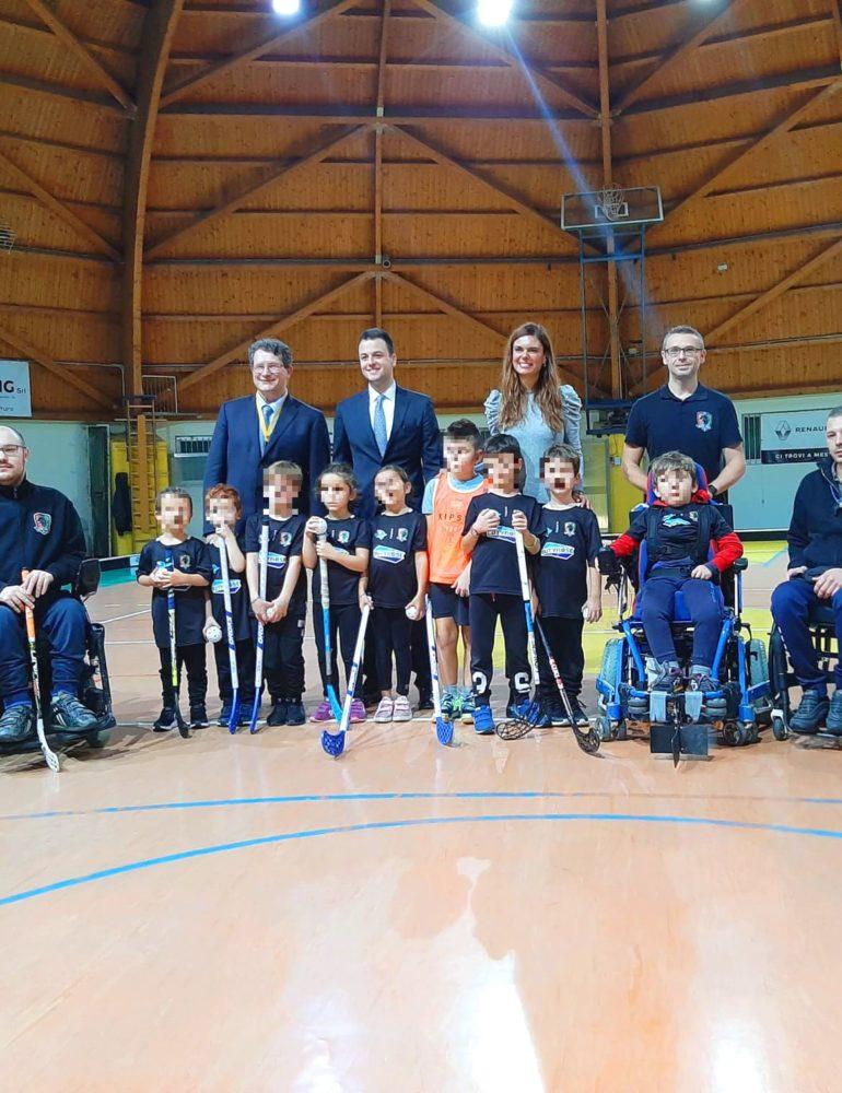"""La presidente Damiano e l'assessore Venturini incontrano i piccoli protagonisti del progetto sportivo inclusivo """"Terraglio Floorball"""": """"Siamo onorati di ospitare nel nostro territorio un'iniziativa di così elevato valore sociale"""""""