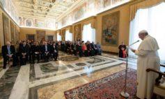 Papa: la legittima difesa non deve aumentare i reati