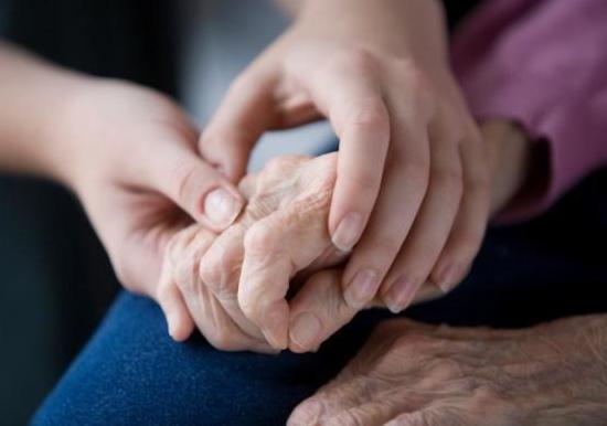 Parkinson, ultrasuoni 'sparati' sul cervello fermano tremori