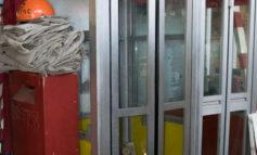 """Il Sindaco """"salva"""" la cabina telefonica di fronte al Policlinico"""