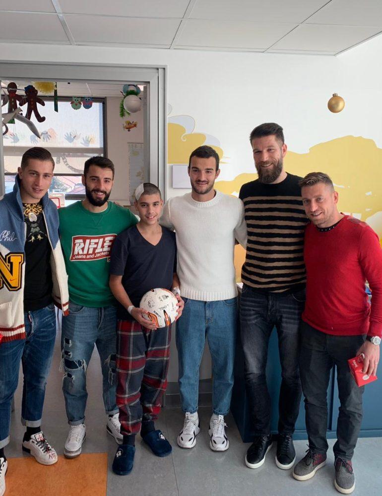 I gialloblù in visita all'Ospedale Borgo Trento