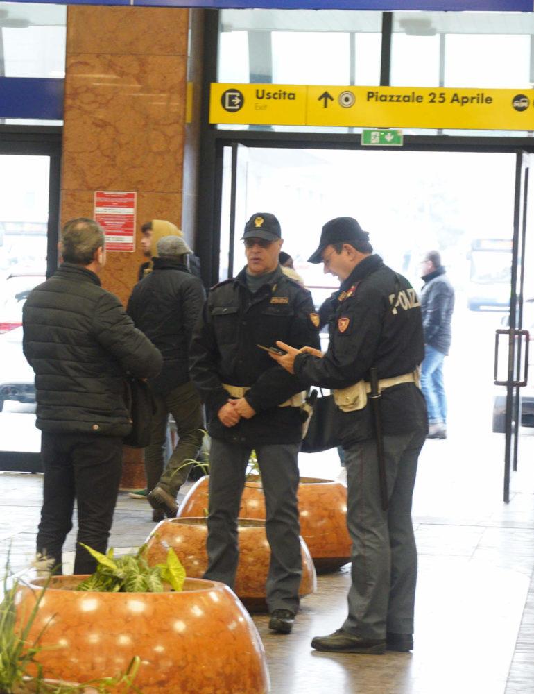 """Verona. Controlli straordinari per """"stazioni sicure"""": la Polizia di Stato arresta un viaggiatore con un etto di cocaina"""