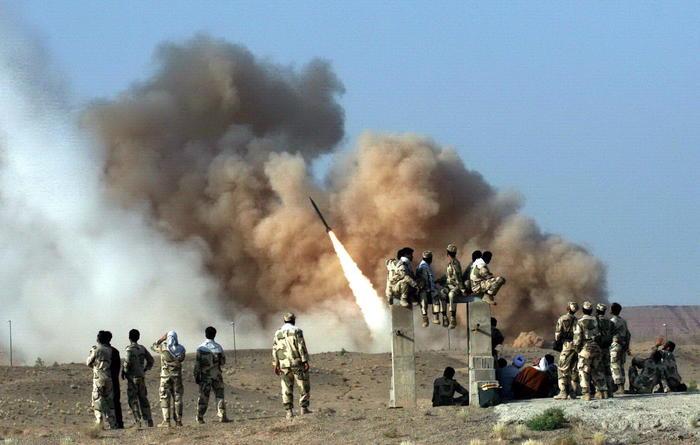 L'Iran lancia 15 missili contro le basi Usa in Iraq. Massima allerta per rischio Terza Guerra Mondiale