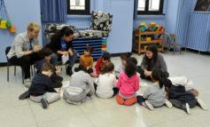 """Educazione. Con """"L'Università va all'asilo"""" gli studenti insegnano ai più piccoli ad adottare corretti stili di vita. Esteso alle scuole dell'infanzia anche il progetto 'Nidi Sicuri'. Galimberti: """"Risposta attenta degli educatori"""""""