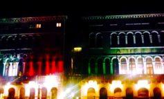 """Da oggi le facciate delle sedi istituzionali del Comune di Venezia illuminate per un mese dal tricolore. La presidente Damiano: """"Rendiamo tangibile il nostro impegno per i cittadini"""""""