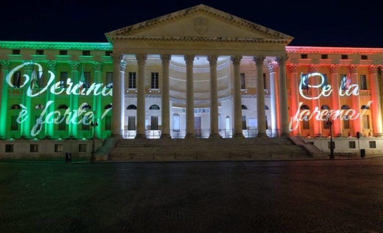 Coronavirus. Da ieri sera Palazzo Barbieri illuminato con il tricolore