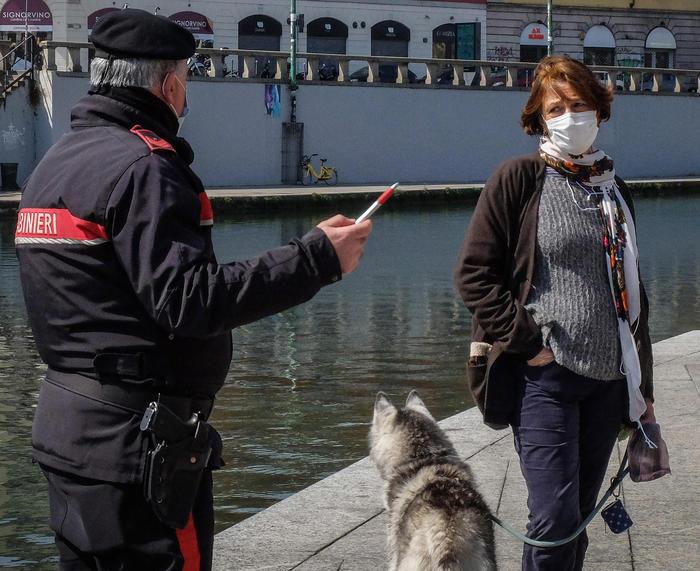 Toscana come la Lombardia, 'In giro con le mascherine'