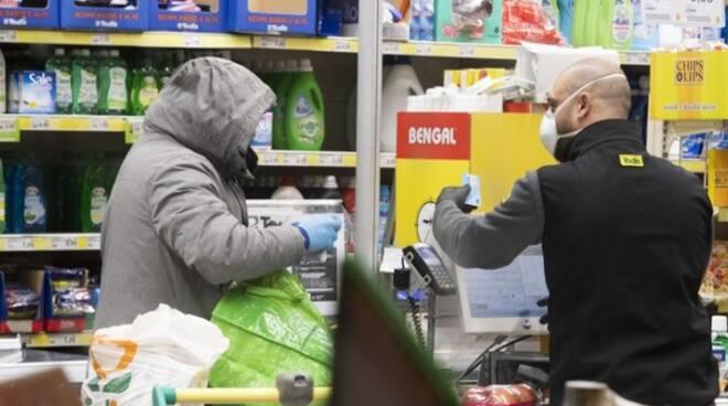 """Coronavirus. """"Spesa sospesa"""" per famiglie in difficoltà. Coldiretti Verona: prodotti a Km zero per la Caritas veronese e gli empori della solidarietà grazie ai consumatori e produttori"""