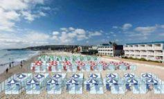 """La proposta del sindaco di Jesolo: """"In spiaggia solo con prenotazione. No alle gabbie in plexiglass"""""""