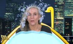 Striscia la Notizia ironizza sui capelli di Giovanna Botteri. È bufera, il tg satirico replica