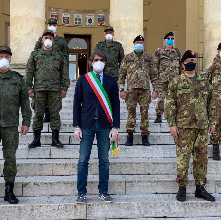 Rientra in patria l'esercito russo impegnato nelle sanificazioni in Lombardia. A Verona il saluto del Sindaco e del Generale Tota