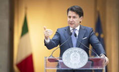Conte: 'Serve un nuovo inizio, unità per ridisegnare l'Italia'